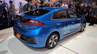 Hyundai zeigt Prototyp eines autonomen Ioniq