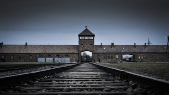 Verbrecherjagd in 3D: Experten holen Auschwitz in Gerichtssaal