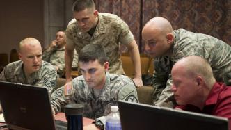 Donald Trump: Neuer US-Präsident kündigt Cyber-Kriegsführung an