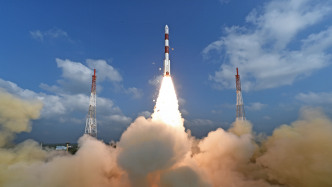 Rekord: Indien startet 104 Satelliten mit einer Rakete