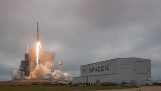 SpaceX-Rakete mit Nachschub auf dem Weg zur Raumstation ISS