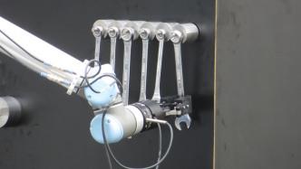 Robotikwettbewerb MBZIRC: Landeanflüge und der Griff zum Schraubenschlüssel