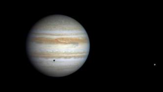 Jupiter beherrscht den Nachthimmel