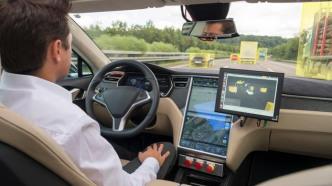 Portland dient sich als Stadt für autonomes Fahren an
