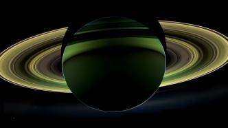 """""""Großes Finale"""": Raumsonde Cassini soll durch Saturn-Ringe tauchen"""
