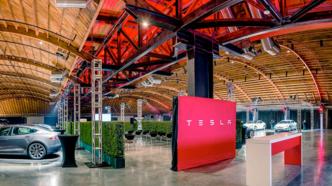 Elektroautos: Tesla verdoppelt Umsatz und steigt tiefer in die roten Zahlen