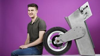 Jugend forscht 2017: E-Einrad, Grafik-Software, Liesegangsche Ringe