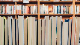 Online-Geschäft stärkt Buchhändlern weiter kräftig den Rücken