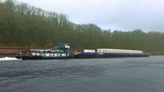 Erster Transport von Atommüll auf einem Fluss in Deutschland begonnen