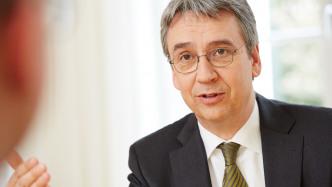 Kartellamts-Chef kritisiert langsame Verfahren gegen Internetkonzerne