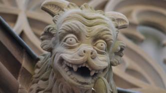 Gargoyle, lachend