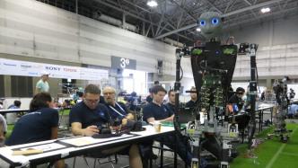 RoboCup: Nichts ist unmöglich im Roboterfußball