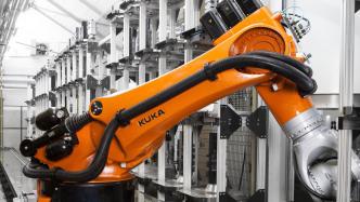 Roboterhersteller Kuka erhöht Jahresziele für 2017 deutlich