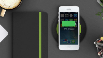 """Bericht: """"iPhone 8"""" lädt drahtlos nur lahm"""
