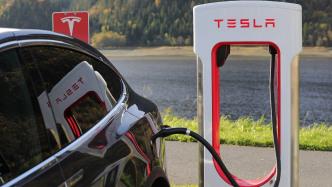 Für Flucht vor Hurrikan: Tesla erhöht Reichtweite einiger E-Autos aus der Ferne