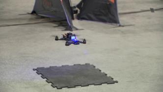 Mensch gegen Computer: Pilot FlyingBear bei Drohnen-Rennen vorn