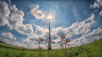 Erneuerbare treiben Strompreise weniger