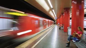 Forscher: Autoverkehr für Kommunen dreimal so teuer wie Bus und Bahn