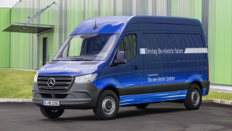 Elektrolieferwagen eSprinter soll 150 km weit reichen