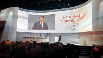 "IT-Gipfel 2016: ""Viele kleine Silicon Valleys"" in den de:hubs"