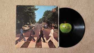 LP Abbey Road mit Cover