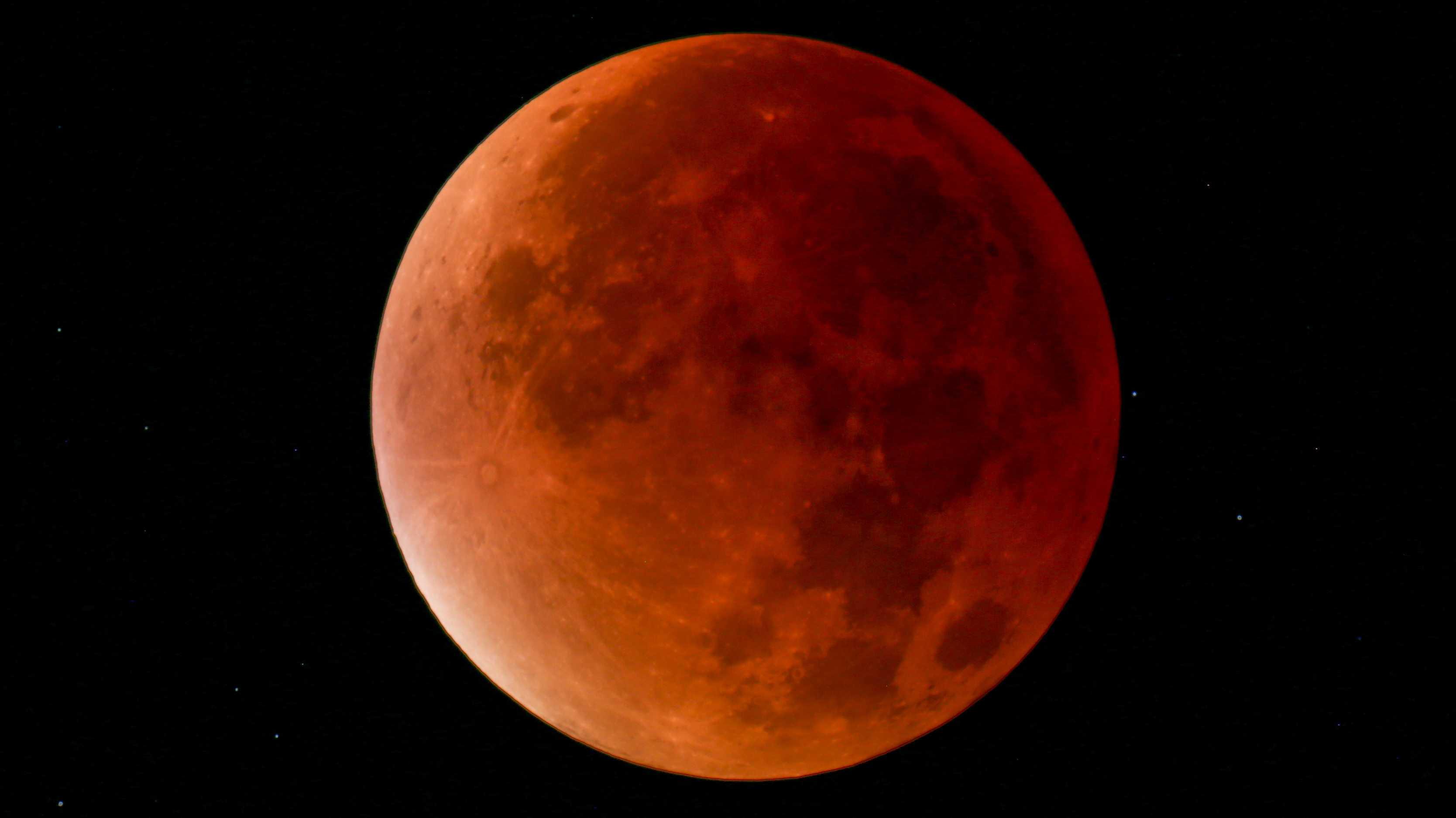 Längste Mondfinsternis des Jahrhunderts am Freitag auch über Deutschland