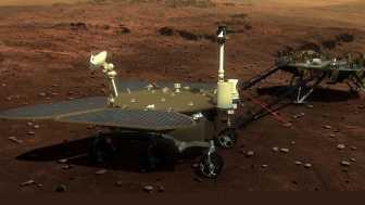 Darstellung Zhurongs mit aufgeklappten Solarzellen auf dem Marsboden