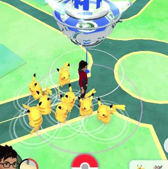 Viele Pikachu beim ersten Pokémin Go Community Day