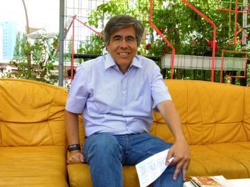 Raúl Rojas, Professor für Informatik und Künstliche Intelligenz, erwartet Flatrates für öffentliche Verkehrsmittel einschließlicher autonomer Autos im Carsharing.