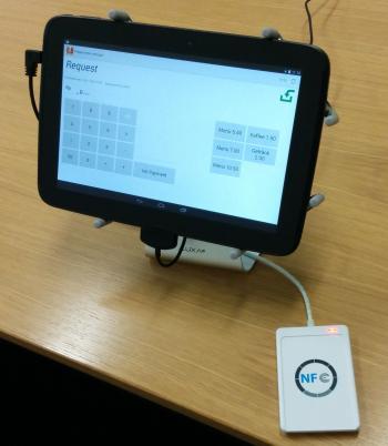 Das Terminal für die Mensakasse: Ein Nexus 10.