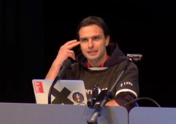 Hacker Starbug: Fingerabdrücke aus drei Metern Entfernung -- kein Problem.