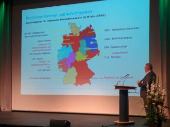 Die Medienaufsicht in Deutschland ist auf zahlreiche Behörden verteilt.