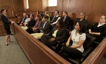 1 Anwälting, 12 Geschworene