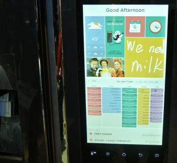 Kühlschrankmagnete waren gestern. Heute erinnert ein Touchscreen daran, dass die Milch alle ist.