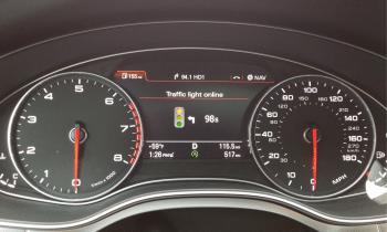 Vorerst nur in den USA will Audi einen connect-Dienst anbieten, bei dem Autos von der Ampelsteuerung der Stadt mit aktuellen Informationen versorgt werden.