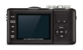 Das Gehäuse der Outdoorkompaktkamera Leica X-U ist mit einem griffsicheren Kunststoff ummantelt. Das Display schützt ein gehärtetes Glas.