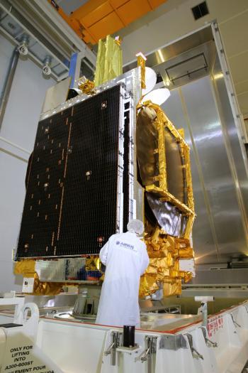 Telekommunikationssatelliten Eutelsat 9B wurde auch das Relaismodul EDRS-A installiert, das für schnellere Datenübertragung zur Erde sorgen soll.