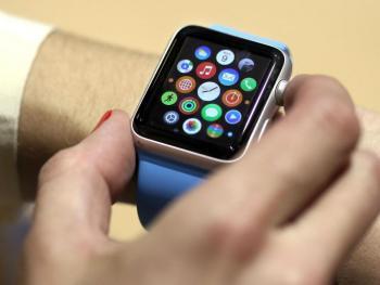 Hand bedient Apple Watch