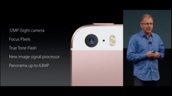 Auch bei der Hauptkamera zieht das iPhone SE mit dem 6s gleich: Es schießt 12-Megapixel-Fotos und dreht 4K-Videos.