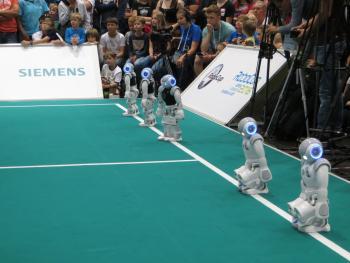 RoboCup: Spannende Begegnungen am letzten Tag