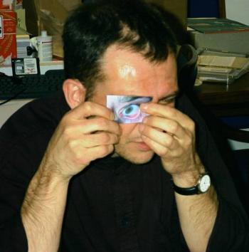 Austricksen eines Iris-Scanners