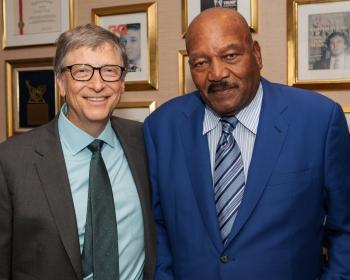Auch der Microsoft-Gründer Bill Gates und Sportler und Schauspieler Jim Brown sollen in den vergangenen Tagen im Trump Tower zu Gast gewesen sein. Trump berichtete per Twitter von dem Besuch.