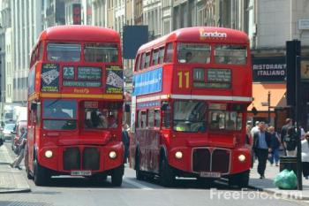 31_10_15---Red-Routemaster-double-decker-bus--London--England_web.jpg
