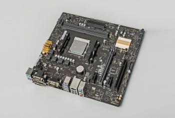 AM4-Mainboard Asus A320M-C mit AMD A12-9800