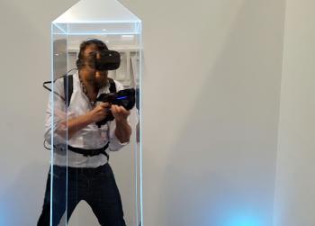 Die in die VR eingebundene Plexiglas-Säule ist die wohl innovativste Idee in Tower Tag.