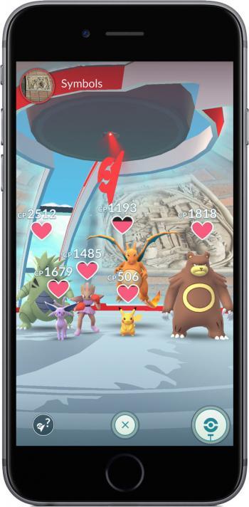 Glurak verlässt die Motivation: Herzchen signalisieren, wie lange das Pokémon noch bleibt.