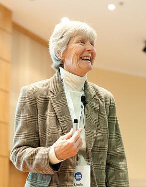 Die erste Keynote steht bereits: Linda Rising wird in London mit Talks und Workshops vertreten sein.