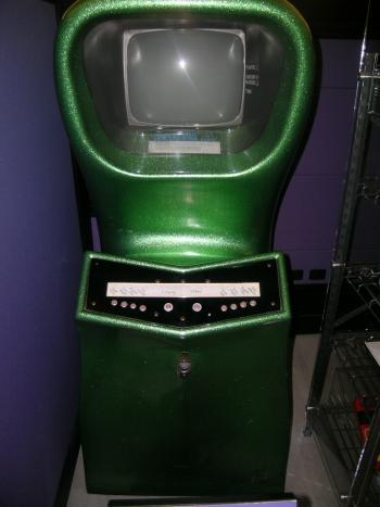 Computer Space gabe es später auch als Automat für 2 Spieler