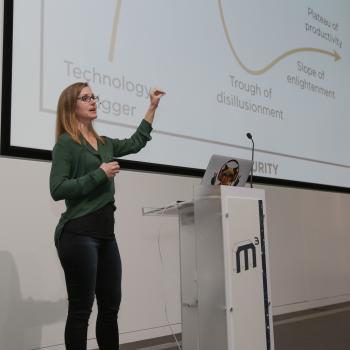 Melanie Warrick, Senior Developer Advocate bei Google, hielt eine der beiden Keynotes auf der ersten M³.