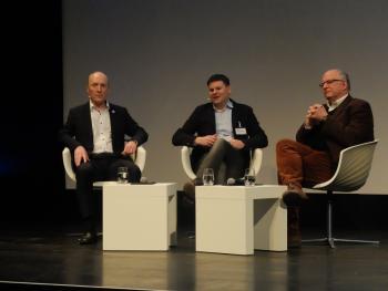 Wilfried Karl (links) und Peter Schaar (rechts) während der Debatte